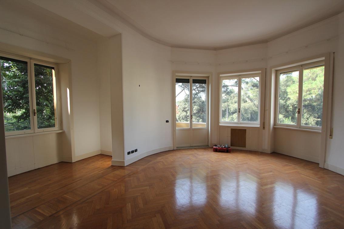 Parioli ufficio restaurato mq 390 studio lionello for Affitto studio roma parioli