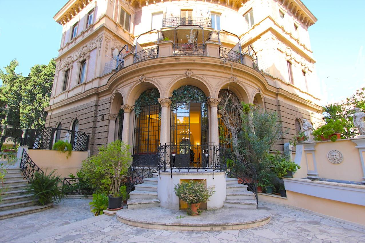 Parioli Ufficio A 10 Due Livelli Mq 450 Con Terrazza Mq 200 In Contesto Signorile Studio Lionello Immobili Di Lusso A Roma